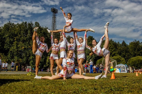 cheerleading-2173912_1920